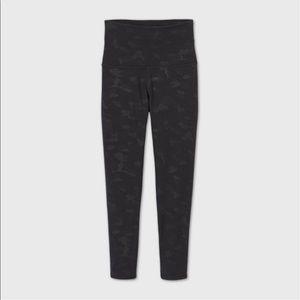 Women's Black camo print premium elongated legging